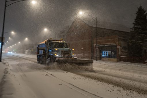 Slow-moving snow storm slams Midwest as Mid-Atlantic, Northeast braces