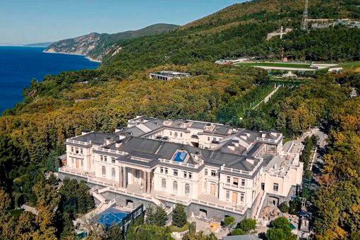 Documentary alleging opulent Putin palace gets 100M views