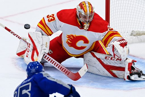 Nylander scores twice, Maple Leafs beat Flames 2-1 in OT