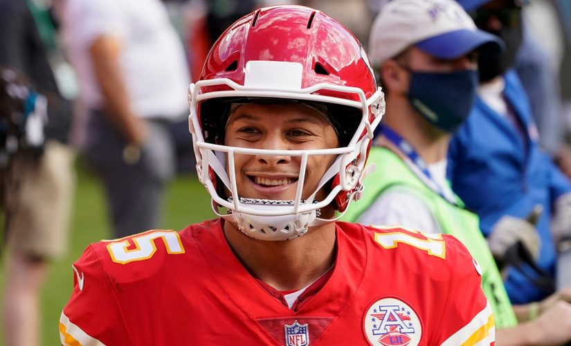 Patrick Mahomes, Tyreek Hill torched Bucs' defense in Chiefs' Week 12 win