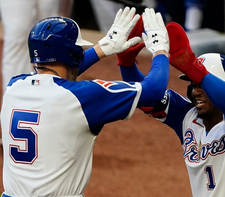 Freeman homers, drives in 3 as Braves edge Phillies 5-4