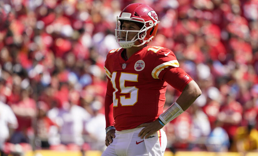 Chiefs blaming only themselves for turnover-prone 1-2 start